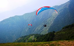 BreathtakingIndia Exclusive: Joginder Nagar Things to Do | Himachal Pradesh Things to Do - Paragliding & Camping in Bir valley