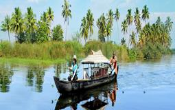 BreathtakingIndia Exclusive: Alappuzha Tours | Kerala Tours - Canoe Ride